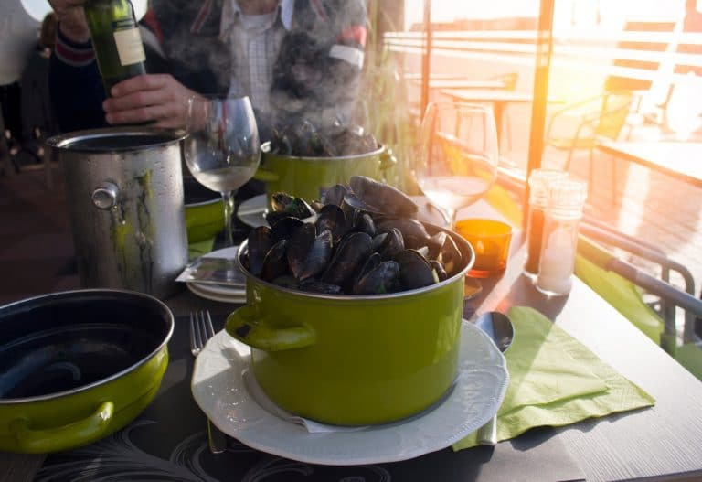 Green Mussels vs. Black Mussels: What's The Difference?